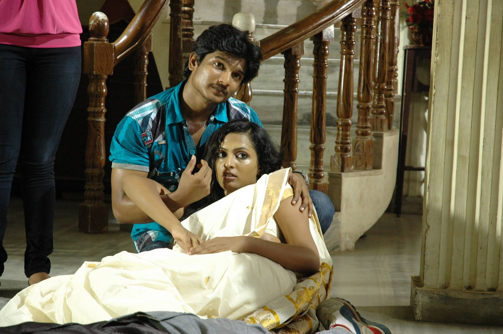 a romantic horror story stills (4)