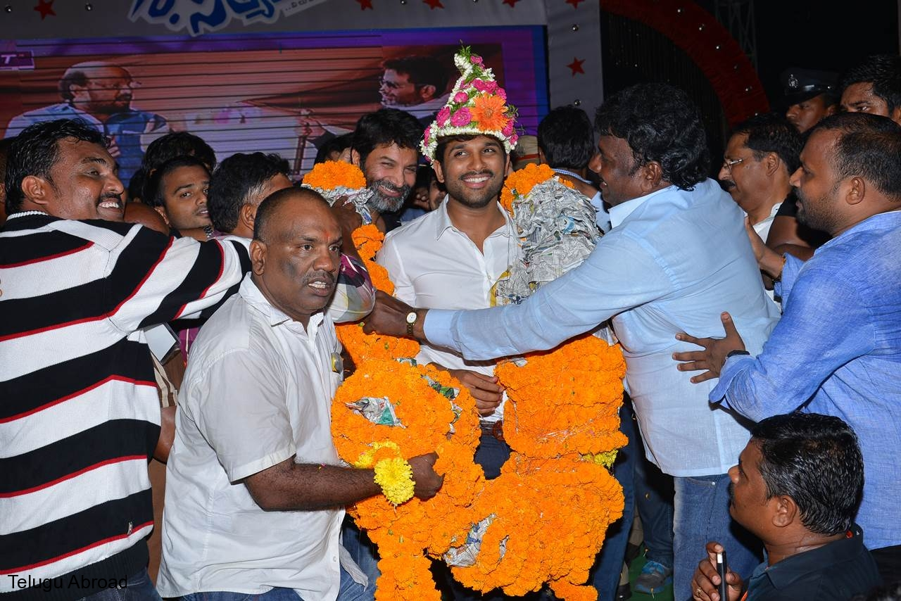 Son of Sathyamurthy Successmeet (35).JPG