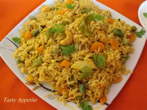 Hot Vegetable Biryani
