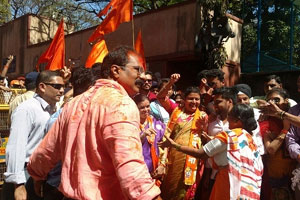 BMC Elections 2017 Results: Sena leading in 90 seats, BJP in 70; Nirupam offers to resigns as Mumbai Congress chief